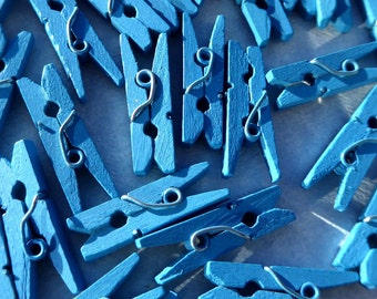 "Mini Clothespins in Medium Blue - 25 - 1"" or 2.5 cm - Wooden - Great for scrapbooking, paper crafting"