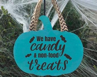 Teal pumpkin sign, trick or treat, wood sign, halloween, halloween decor, food allergy