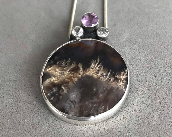 Crowned Plume Agate with Amethyst and white topaz