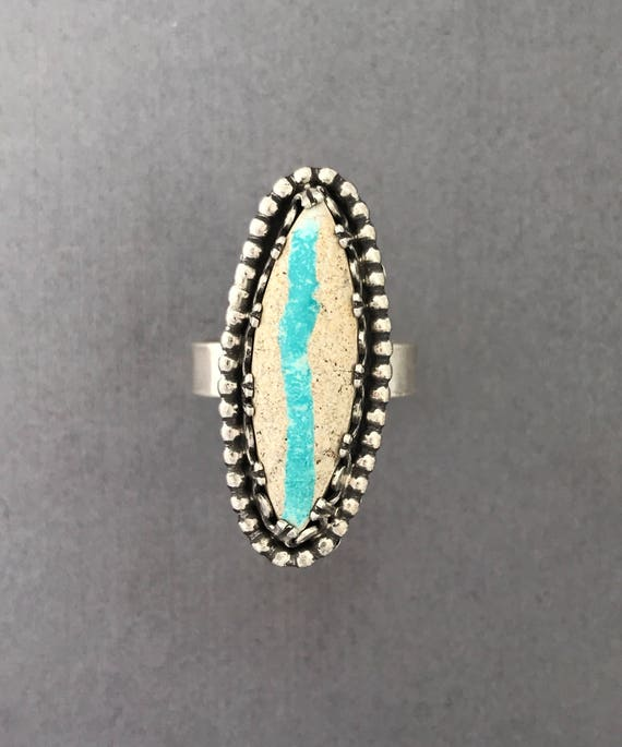 Ribbon turquoise in sterling silver ring with detail bezel size 9