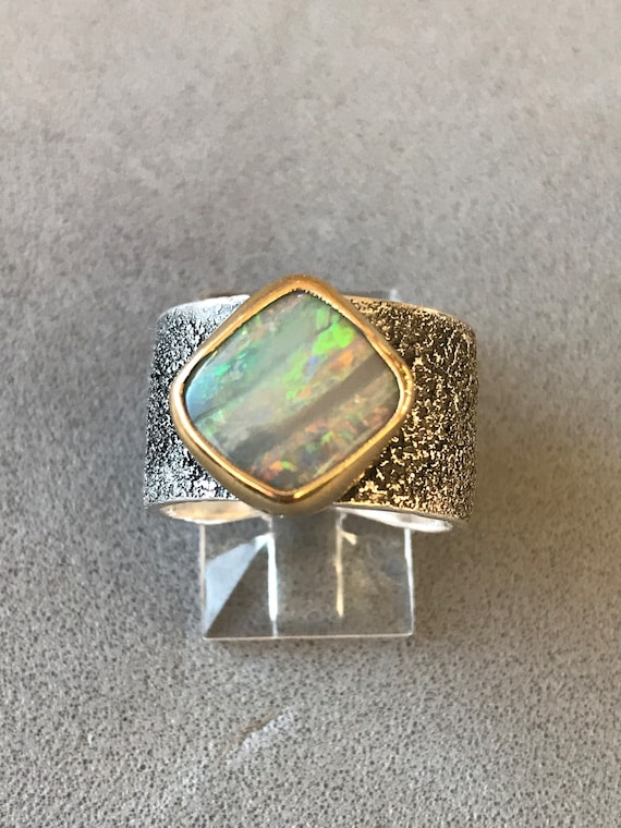 Lightning Ridge Opal Stripes ring