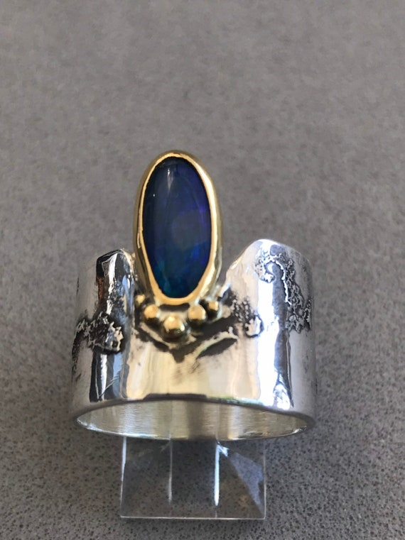 Lightning Ridge Opal doublet in gold and silver ring