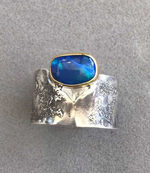 Blue Lightning Ridge Opal doublet ring