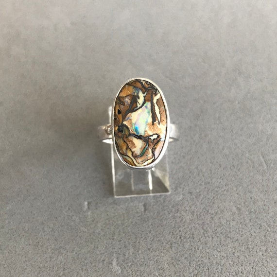 Beautifully patterned Boulder Opal ring