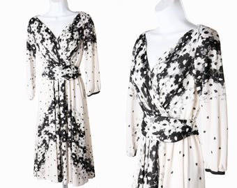 1970s White & Black Abstract Floral Print Vintage Dress by Lilli Diamond