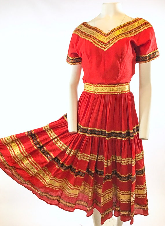 1950s Red Gold Patio Dress - image 2