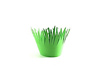 12 Green Grass Standard Size Cupcake Wrappers