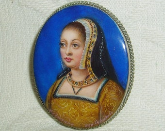 Lacquer brooch Mother of pearl Queen Anne of Brittany miniature Hand Painted Pin