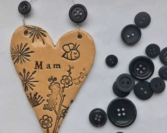 Mam ceramic heart