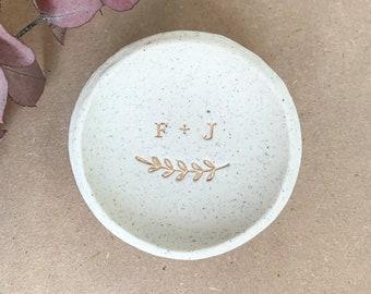 Couple's Stone-look Ring Dish - Custom Initials | Wedding | Engagement | Gift | Jewellery dish | Personalised