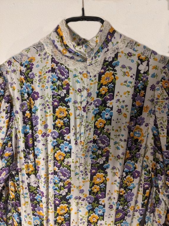 Beautiful soft cotton floral 1970s prairie dress