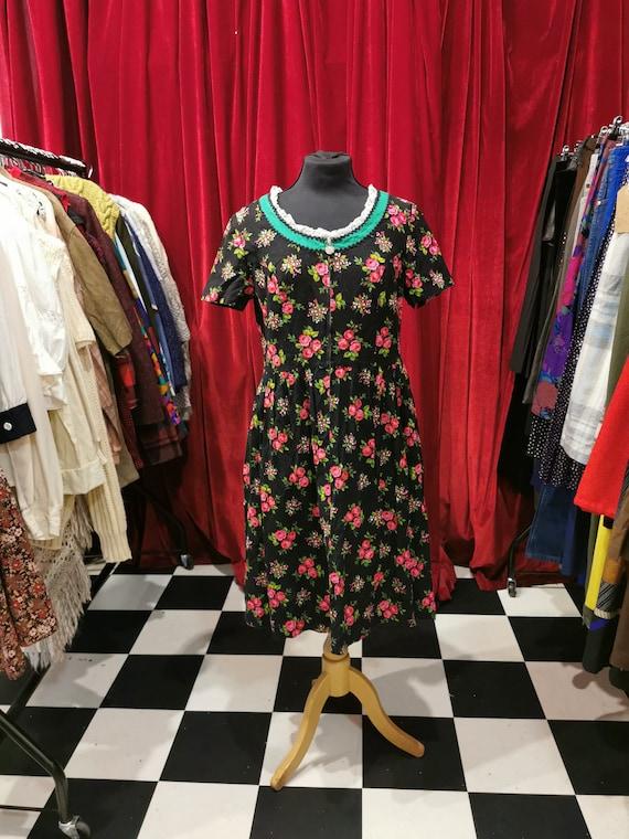 Vintage 1950s Heavy Cotton Black & Pink Floral Aus