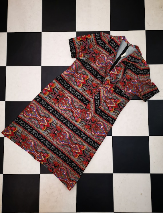 Vintage 1970s Colourful Paisley A-Line Collared Pussybow Day Dress