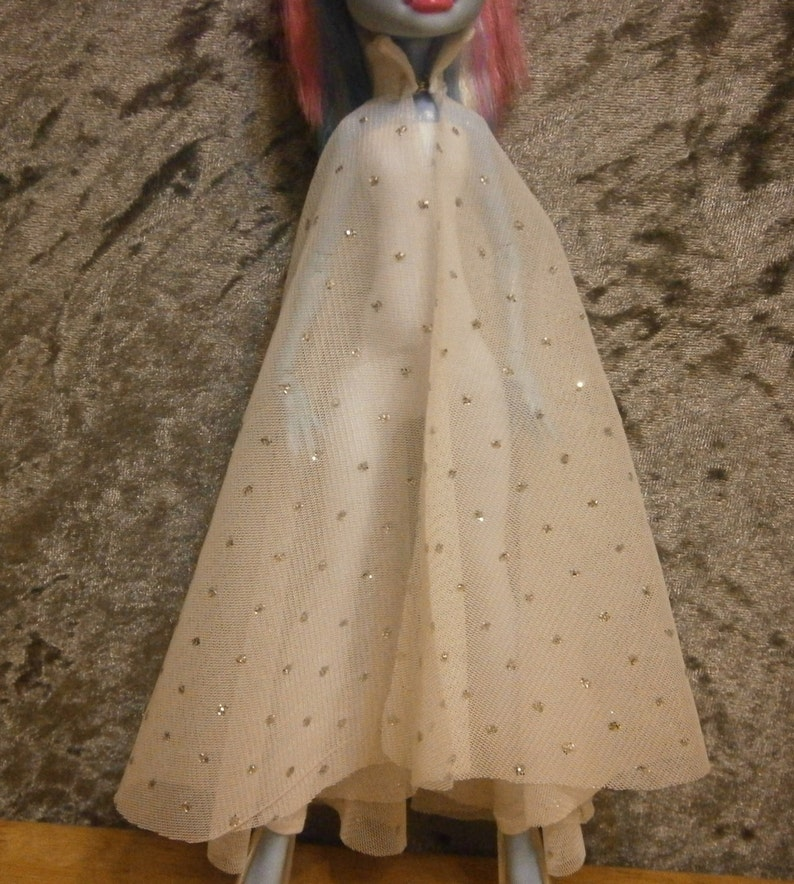 White with glitter dot cape for fashion dolls