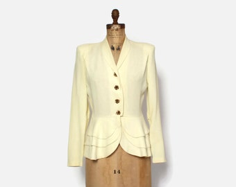 Vintage 40s Ivory Wool BLAZER / 1940s Lightweight Cream Tailored & Fitted Scalloped Peplum JACKET