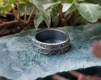 Achillea millefolium - Yarrow Fine Silver Ring  US Size 7  by Quintessential Arts