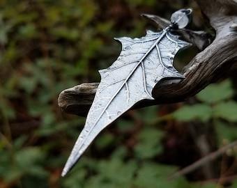 Datura stramonium - Moonflower Leaf (Jimsonweed, Thorn-Apple) Statement Pendant in Pure Silver, Rainbow Moonstone  by Quintessential Arts