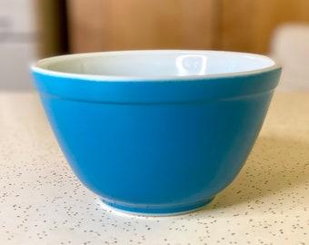 Small Blue Pyrex Primary Color Mixing Bowl, Pyrex Nesting Bowl, Blue Pyrex Bowls, Gift for Mom, French Kitchen, Farmhouse Kitchen 401