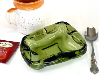 Vintage Chunky Green Glass Ashtray - Ash Tray - 1960s Home Decor - 1950s Prop - Emerald Green