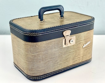 Vintage Tweed Train Case with Blue Trim and Handle, Carilight Cosmetic Case, Small Stacking Suitcase, Traincase Luggage