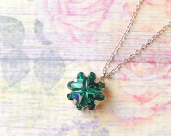 23cd3059e8de4 Swarovski Crystal Emerald Green Clover Necklace Swarovski | Etsy