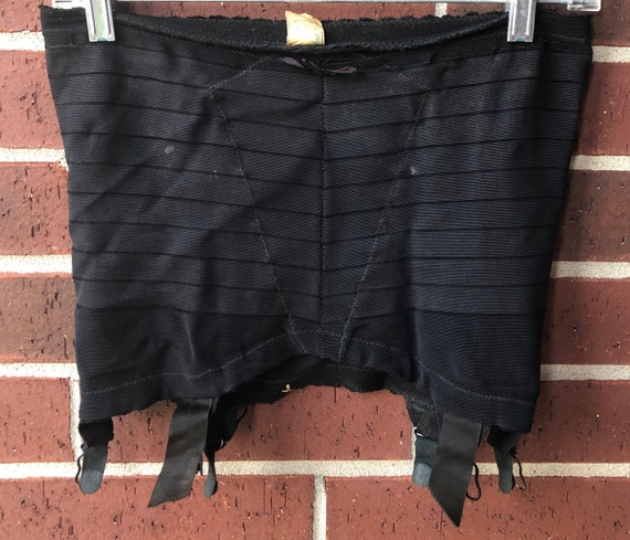 Garter Belt - Vintage Girdle / Garter Belt - Vinta
