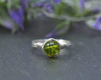 Peridot Wire Ring, Peridot Stone, August Birthstone, August Birthday, Boho Ring, Minimal Ring, Wire Wrapped Jewlery, August Birthday Gift