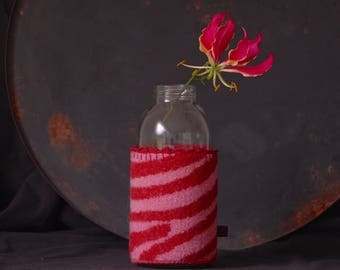 fles van de omslag / jar Mira-wool-vase-cover-pink-red-felted-home decoratie cover