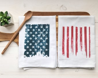 4th of July Celebrate America Flag Placemat /& Kitchen Towel Set