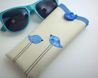 6f370b7f16 Eyeglass case in cream with blue birds