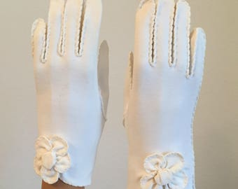 Vintage White Formal Gloves Hand Stitched With A Flower On Each Wrist Made By Van Raalte Excellent Condition