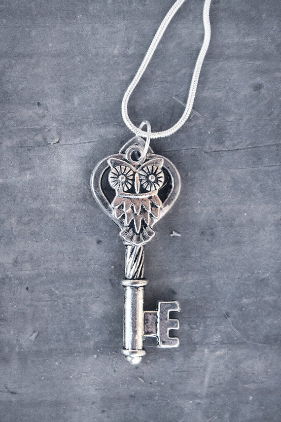 ORIGINAL Vintage Silver Owl Key Charm Necklace