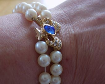 Vintage bracelet, signed Richelieu faux pearl and crystal bow 7 inch bracelet, wedding bracelet