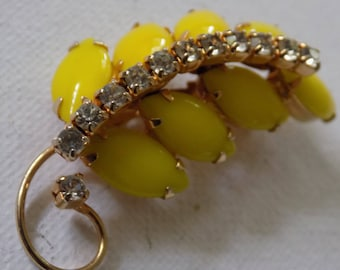 Vintage brooch,yellow glass and crystals floral retro brooch,summertime beauty,jewelry
