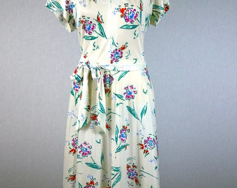 White Graphic Floral Pleated Dress