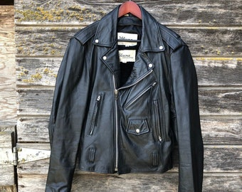 d74b31e75fa63 Vintage Wilsons black leather motorcycle jacket size 42 men M L 80s moto  biker jacket Brando style1980s punk rock zippers grunge 90s 1990s
