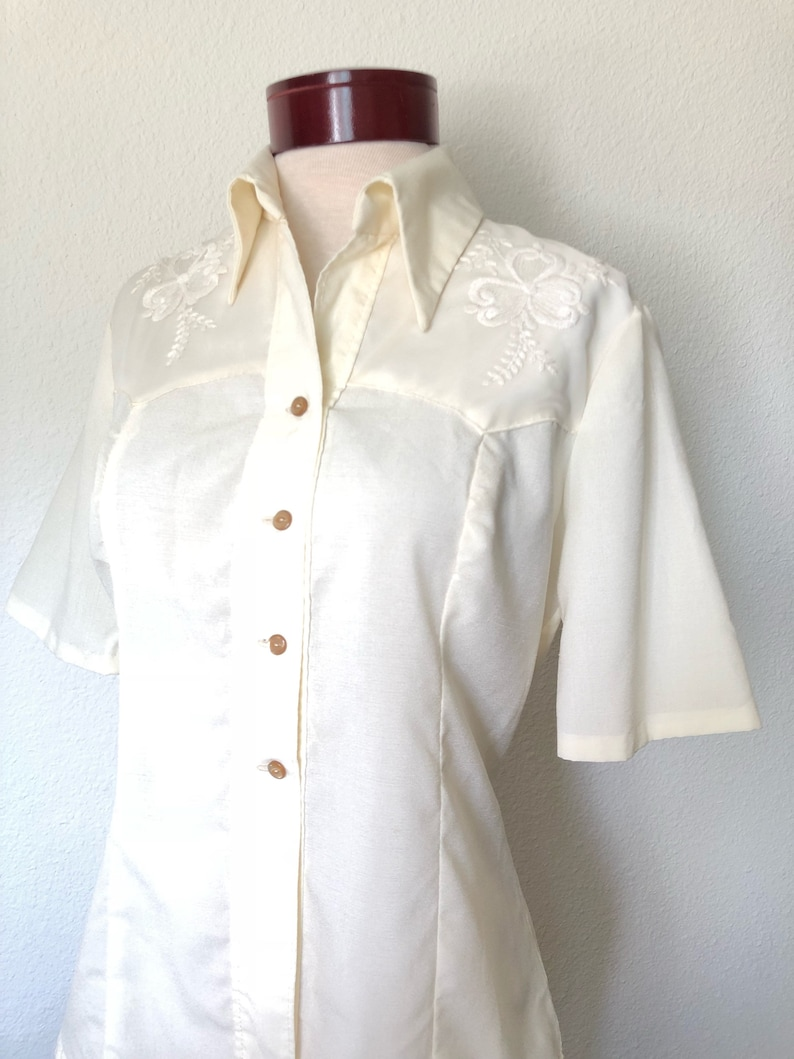 Vintage embroidered blouse cream ivory 70s 970s floral embroidery hippie 60s 1960s bohemian boho ethnic folk festival vtg large L gift