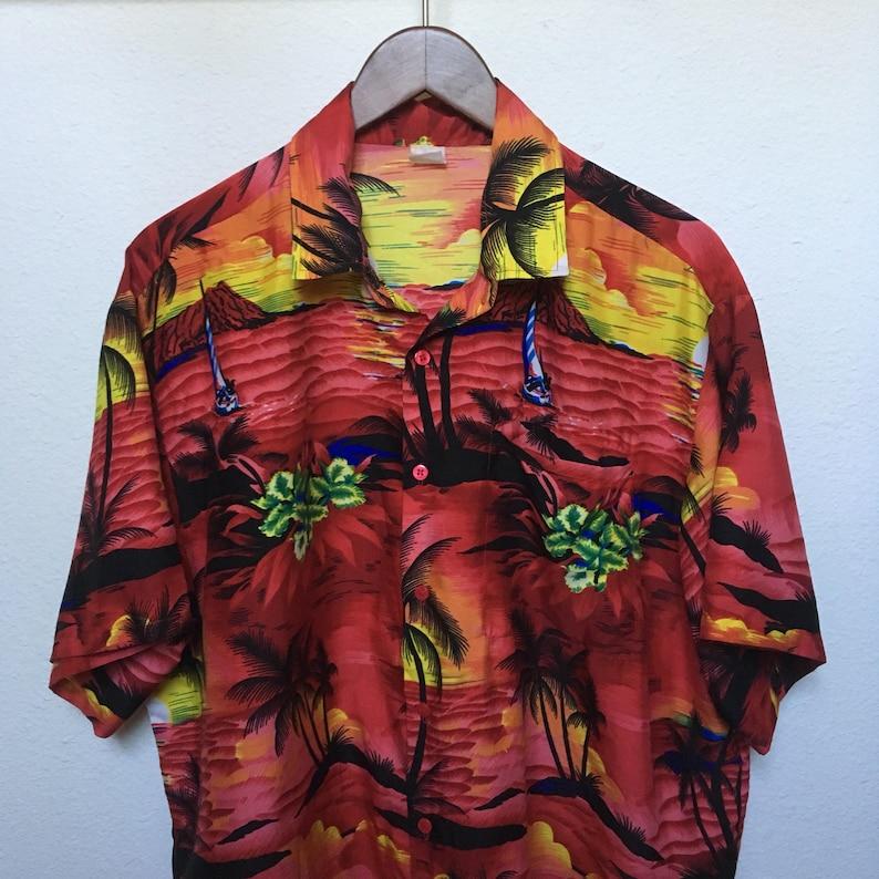 5dd9e756782 1980s vintage Hawaiian shirt red sunset 80s Aloha shirt palm