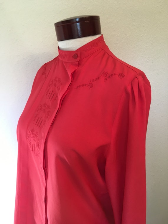 f1e09ac42b1329 Vintage red blouse embroidered cut out 70s 80s Shapely long