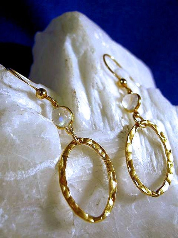 Rainbow Moonstone Accents 14k gold filled Hammered Link Dangle Earrings Blue Clear cabochon gemstones handmade fine jewelry sterling silver