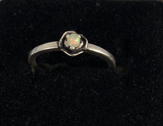 Sweet Rose Ring Sterling Silver Tiny Genuine Opal Ethiopian color flash green pink size 3 4 5 6 7 8 9 10 11 Han