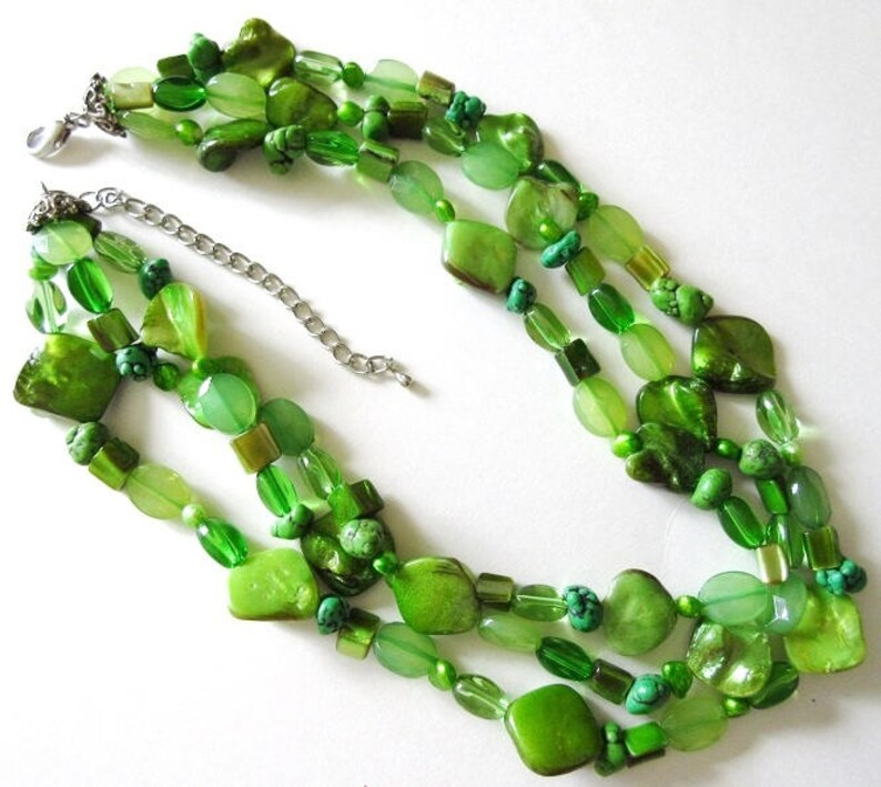 Mother of Pearl Necklace /& Cuff Bracelet Vintage 18 Multi Strand Green Shell ON SALE