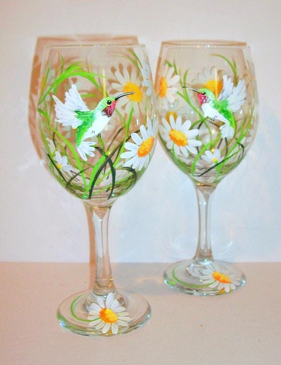 Peint à la main, verres à vin printemps blanc marguerites et colibris lot de 2 20 oz gobelets vin blanc Marguerite mariage cadeau de demoiselles