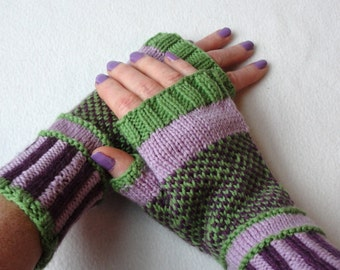 KNITTING PATTERN Purple Passion fingerless mitts / Fingerless Gloves / Adult/Teen Sizes