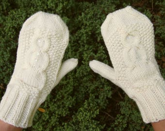 Knit Snowman Mittens with Sequins - Neutral Cream Knitted Vegan Mittens with Snowman Pattern - Cream Hand Knit Winter Snowman Mittens