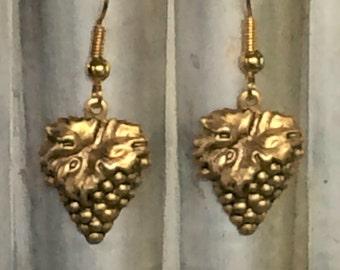 Grape Cluster Earrings - Winery Grapes Earrings