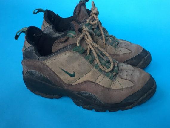 Vintage 90s Nike Women's Mid Hiking