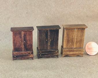 Linen Press - Quarter Inch Scale Dollhouse Furniture