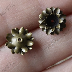 10 pcs 11mm Antique Bronze Jewelry Brass Decorations Filigree Jewelry Finding,Connector Finding,Flower Findings