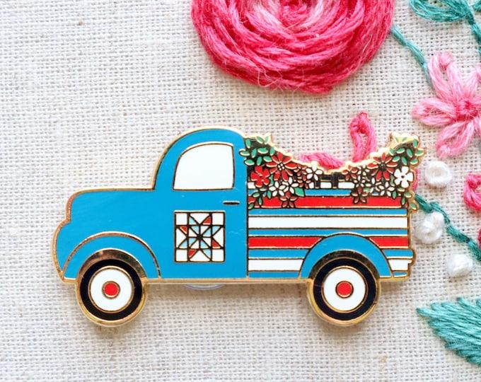 Patriotic Vintage Truck Magnetic Needle Minder